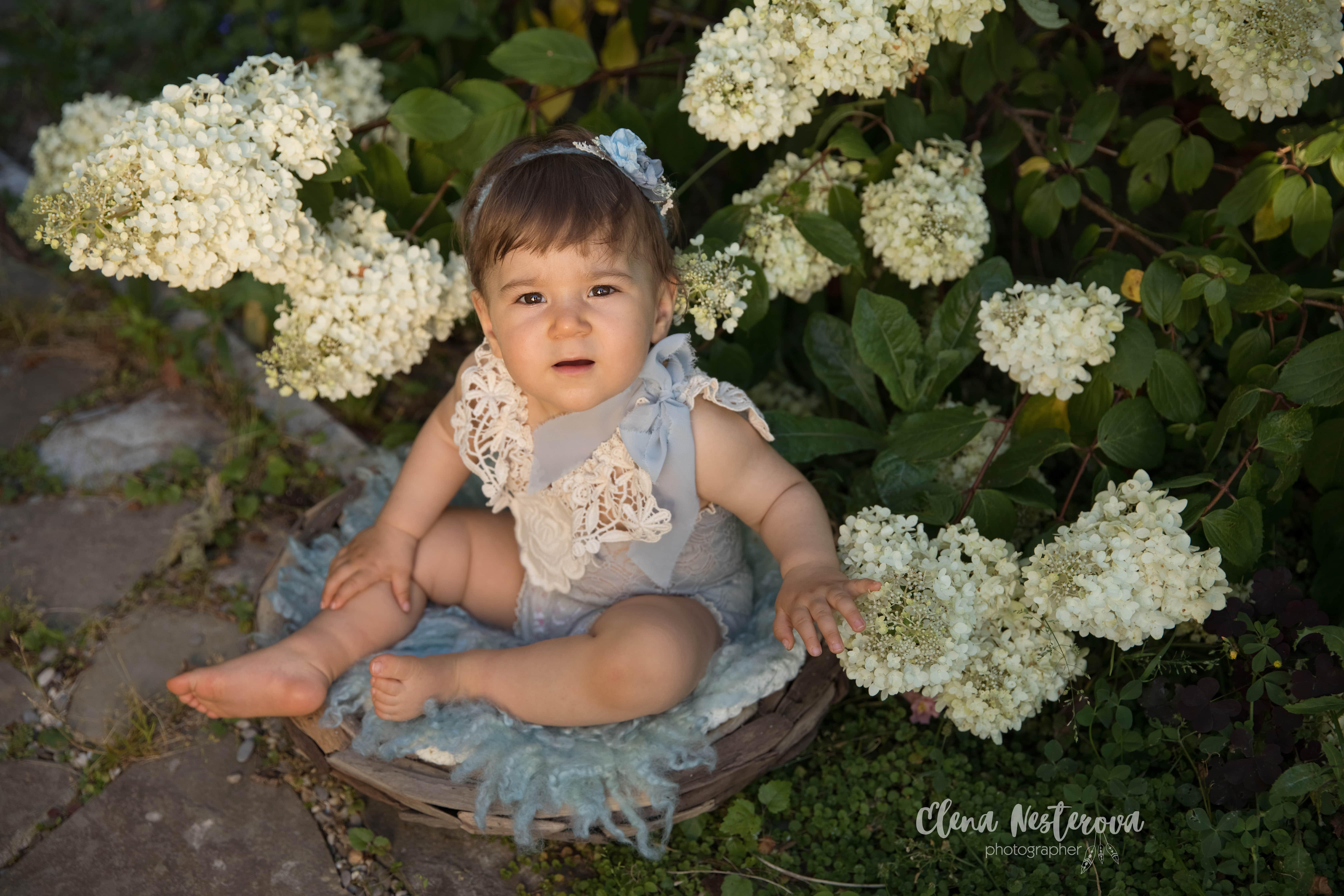 фото новорожденного на природе