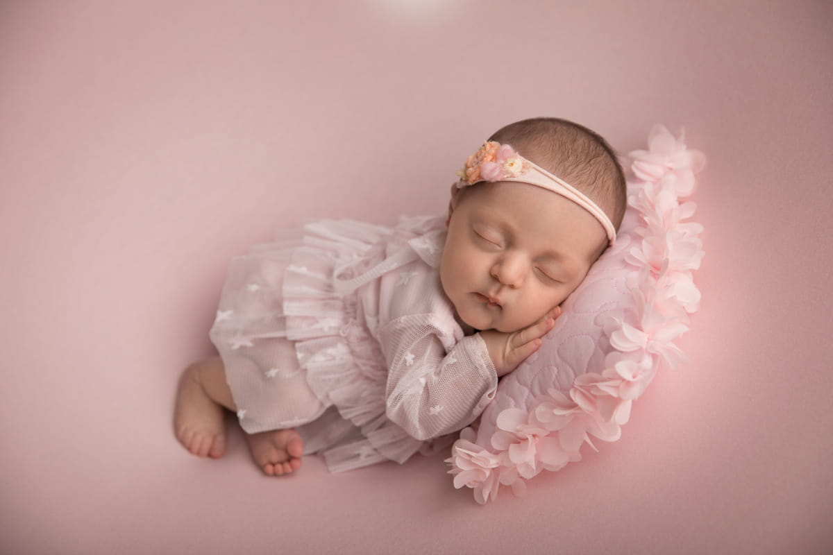 Фотограф новорожденного в Петергофе
