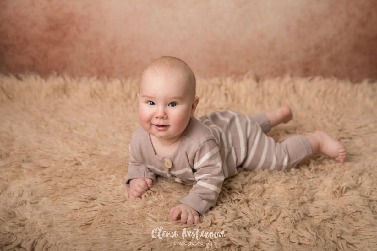 Фотосессия малыша на 5 месяцев