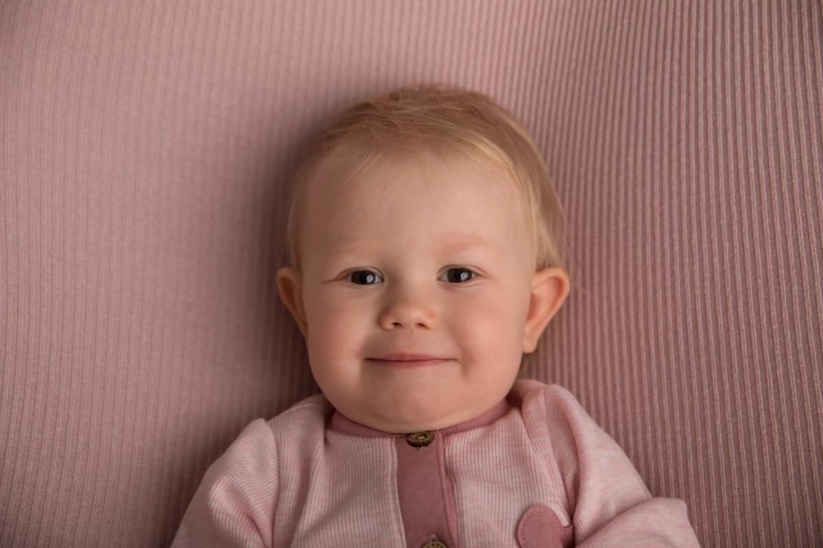 Фотосессия малыша на 9 месяцев