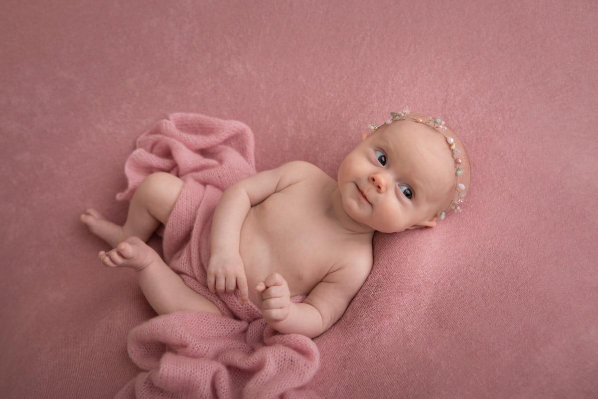 Фотосессия месячного малыша