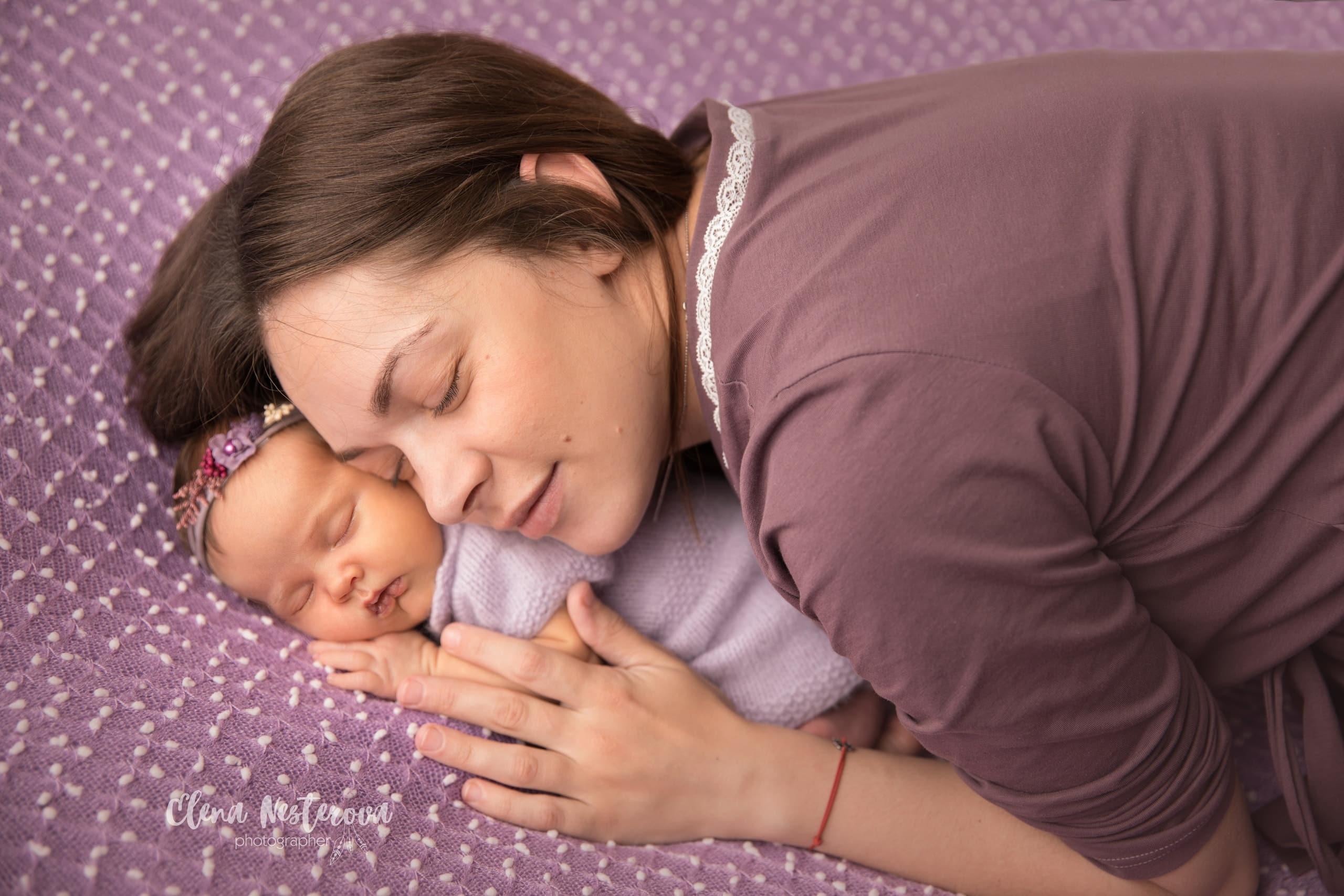 Фотосессия грудничка с мамой