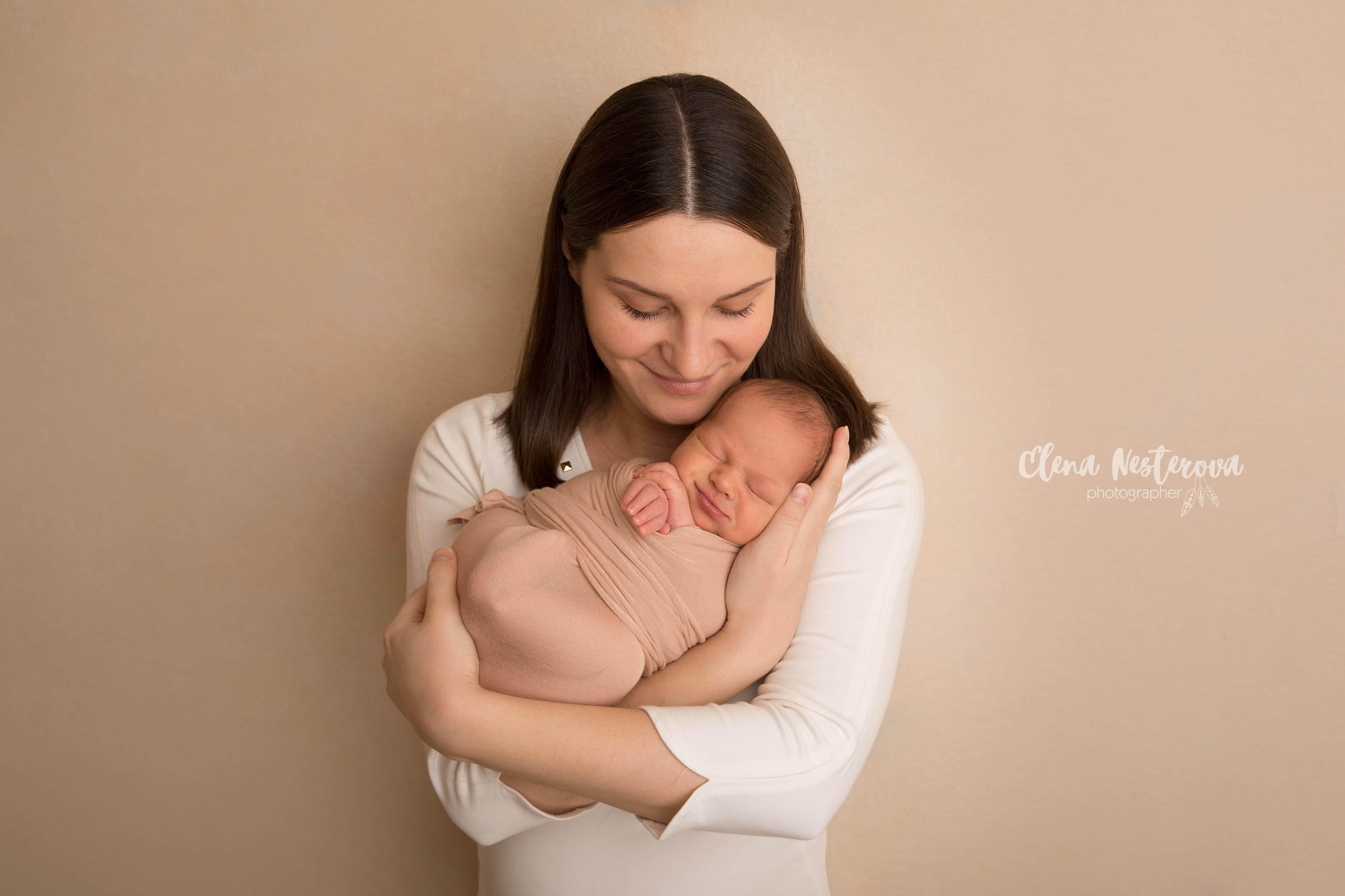 Фото грудничка с мамой