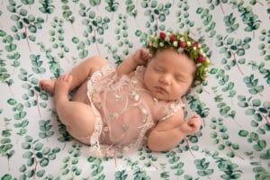 Летняя фотосессия новорожденного