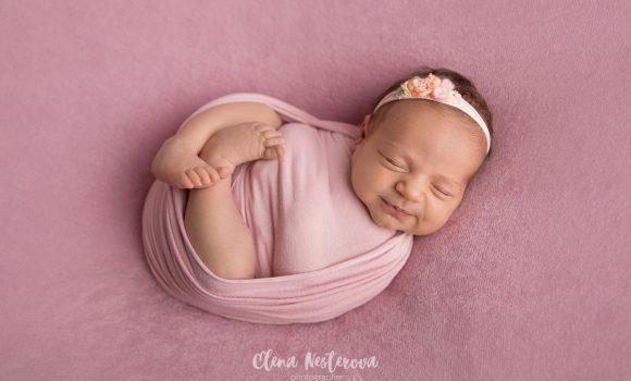 фотосессия новорожденной девочки в обмотке