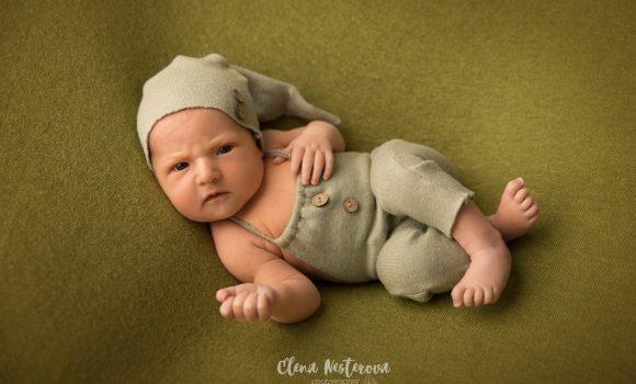 фотосъемка новорожденного в студии