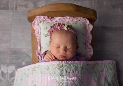 фотосъемка новорожденной девочки в студии