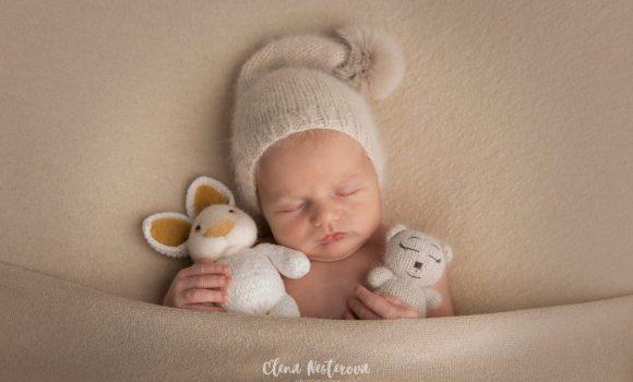 профессиональная фотосессия новорожденного мальчика