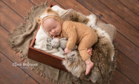 профессиональная фотосъемка новорожденной девочки