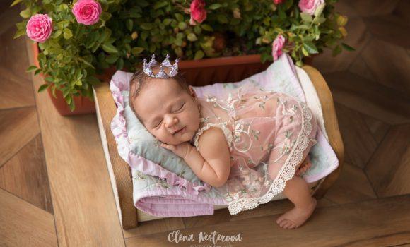 фотосъемка новорожденной девочки в студии СПб
