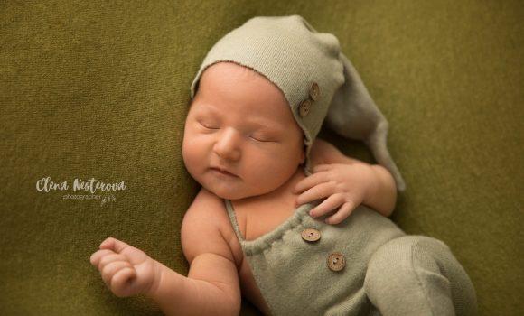 фотосъемка новорожденного мальчика дома