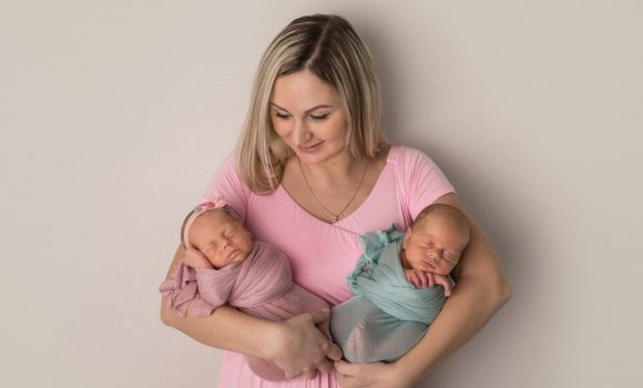 фотосессия новорожденного с мамой